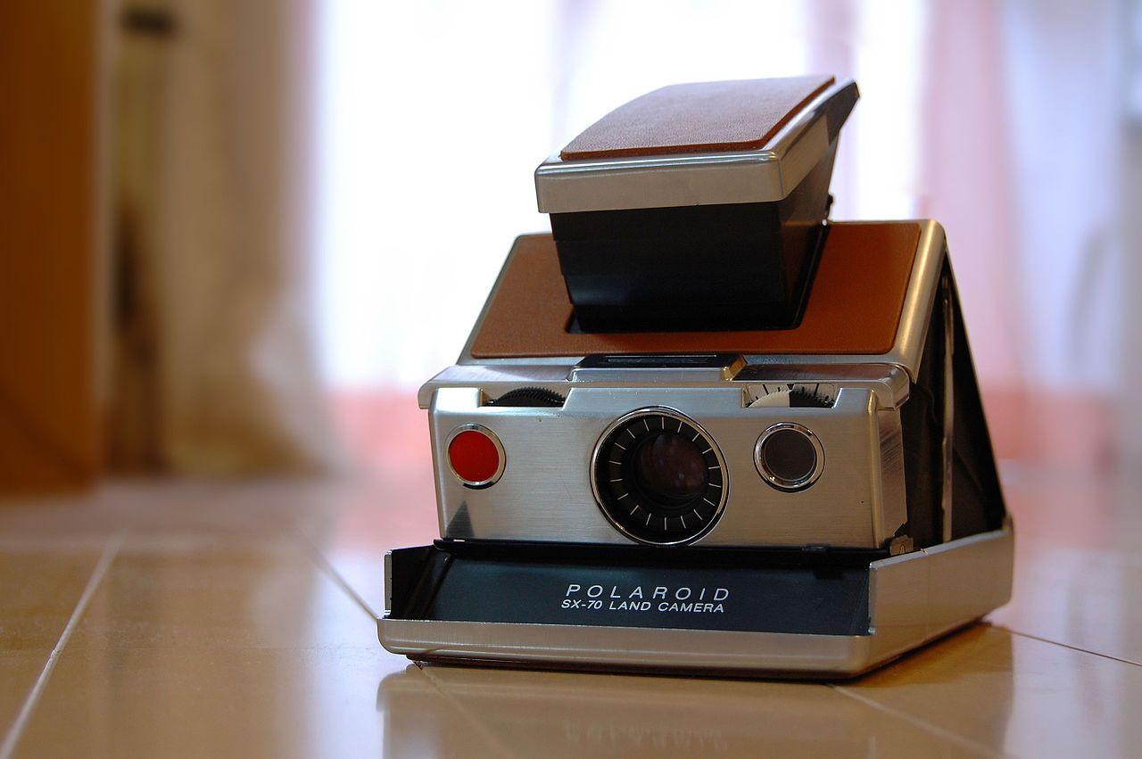 Polaroid SX-70 Land Camera, Unsplash