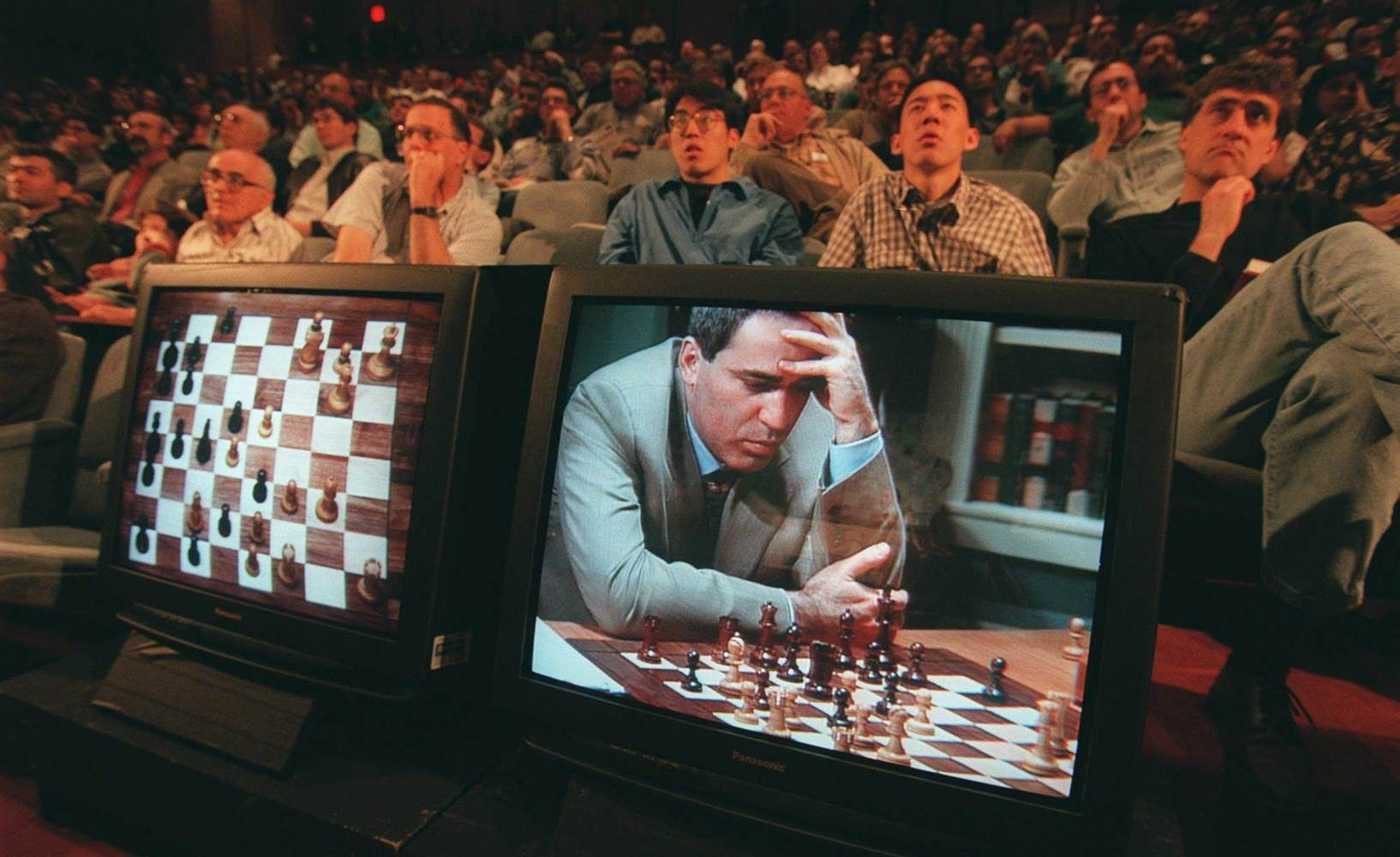 Abbildung 2: Sechstes und letztes Spiel im Rematch zwischen Schachweltmeister Garry Kasparov und IBM-Supercomputer Deep Blue, New York, 1997