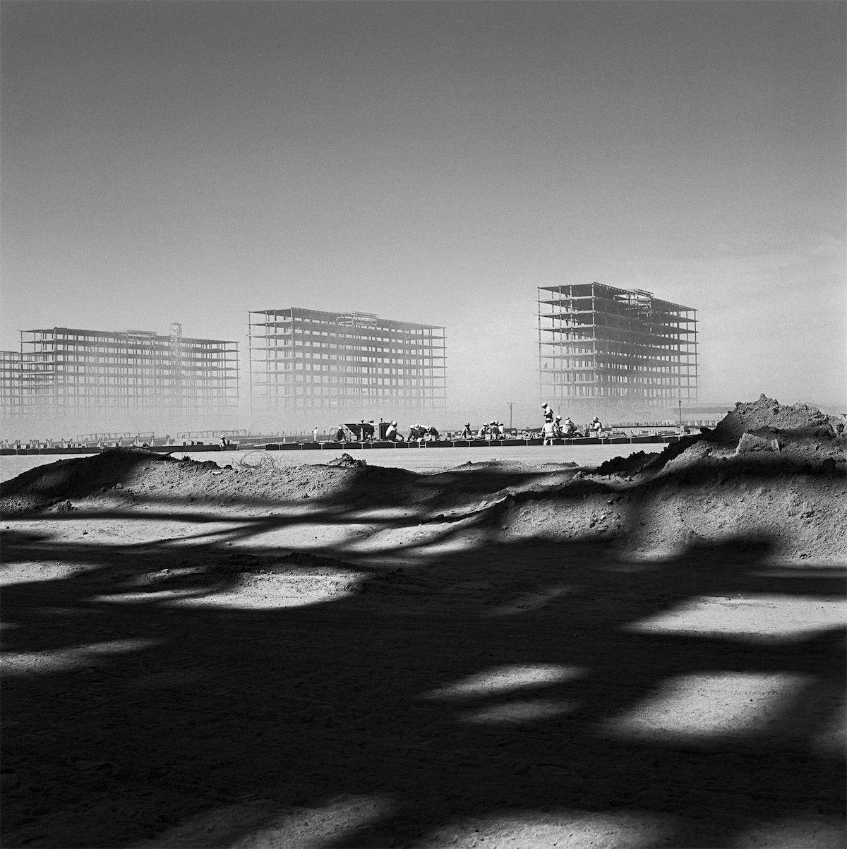 Marcel Gautherot: Esplanada dos Ministérios em construção. Brasília, 1958.