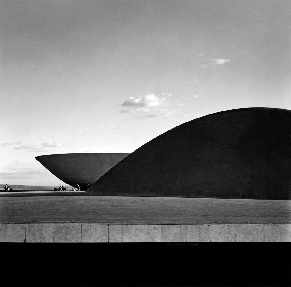 Marcel Gautherot: Palácio do Congresso Nacional. Brasília, 1960.