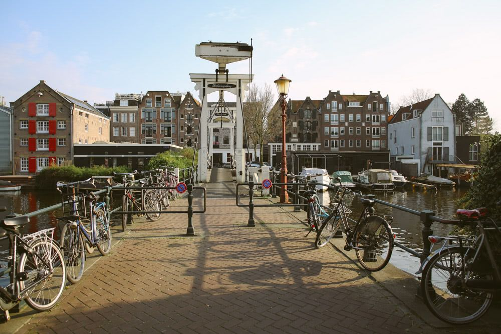 Driehaaringenbrug - Three herrings bridge (with only enough space for about two of them)