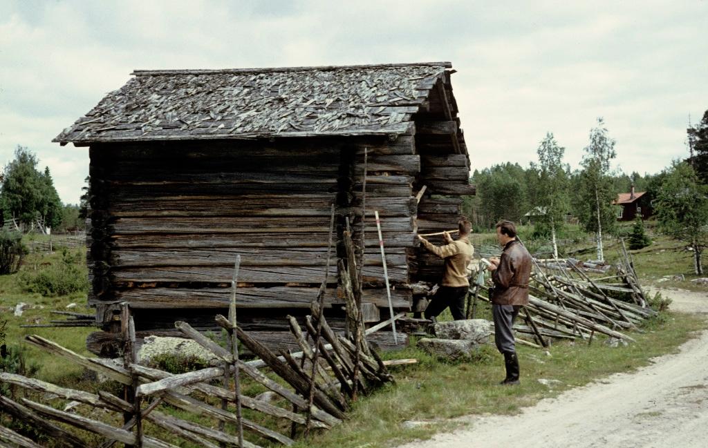 old hut at tisjlandet
