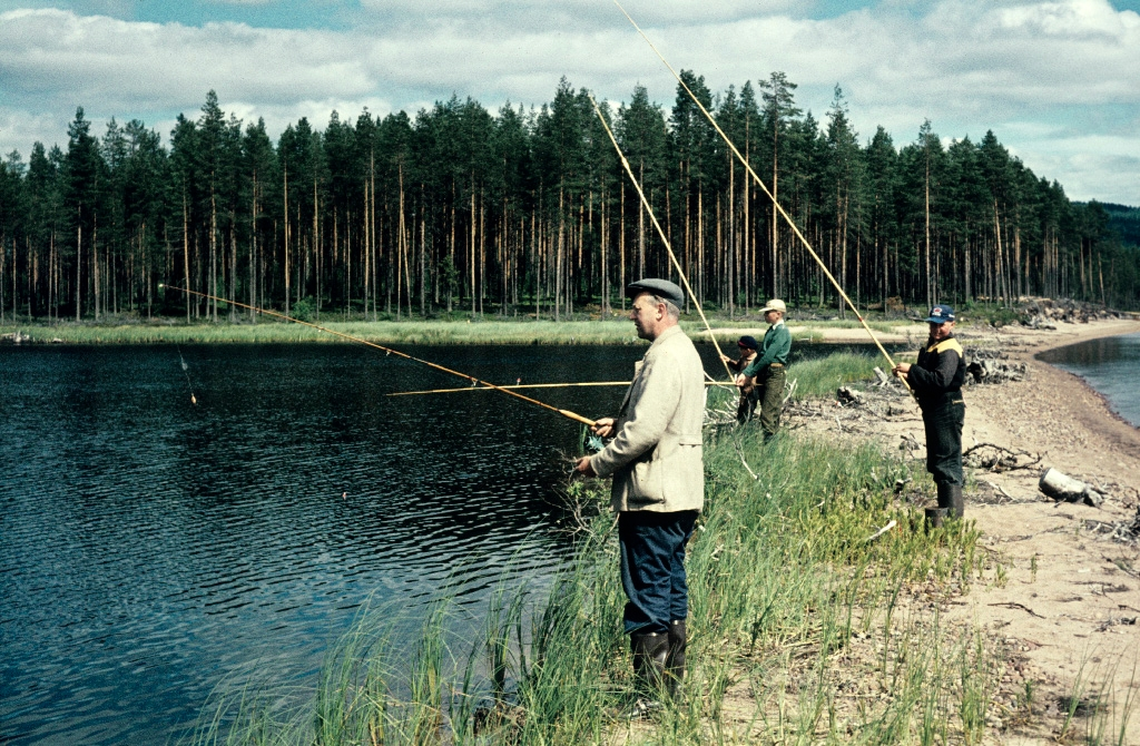 fishing in lake tisjn