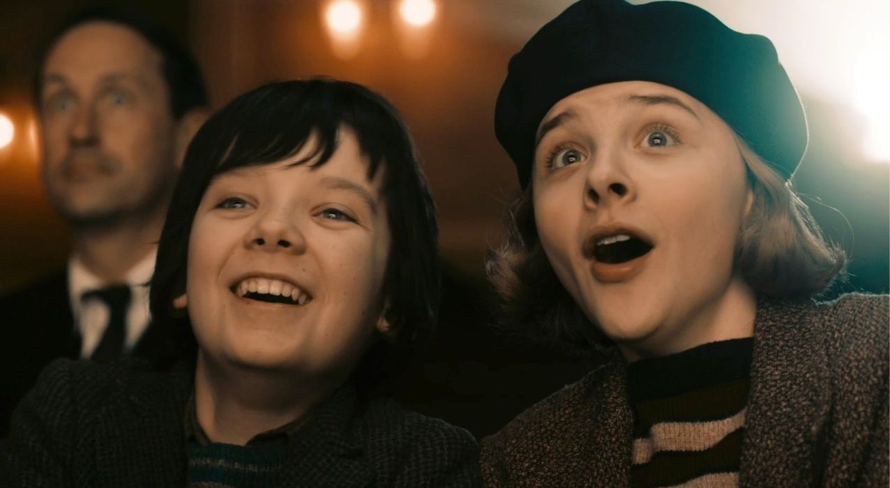 Asa Butterfield and Chloe Grace Moretz in Hugo
