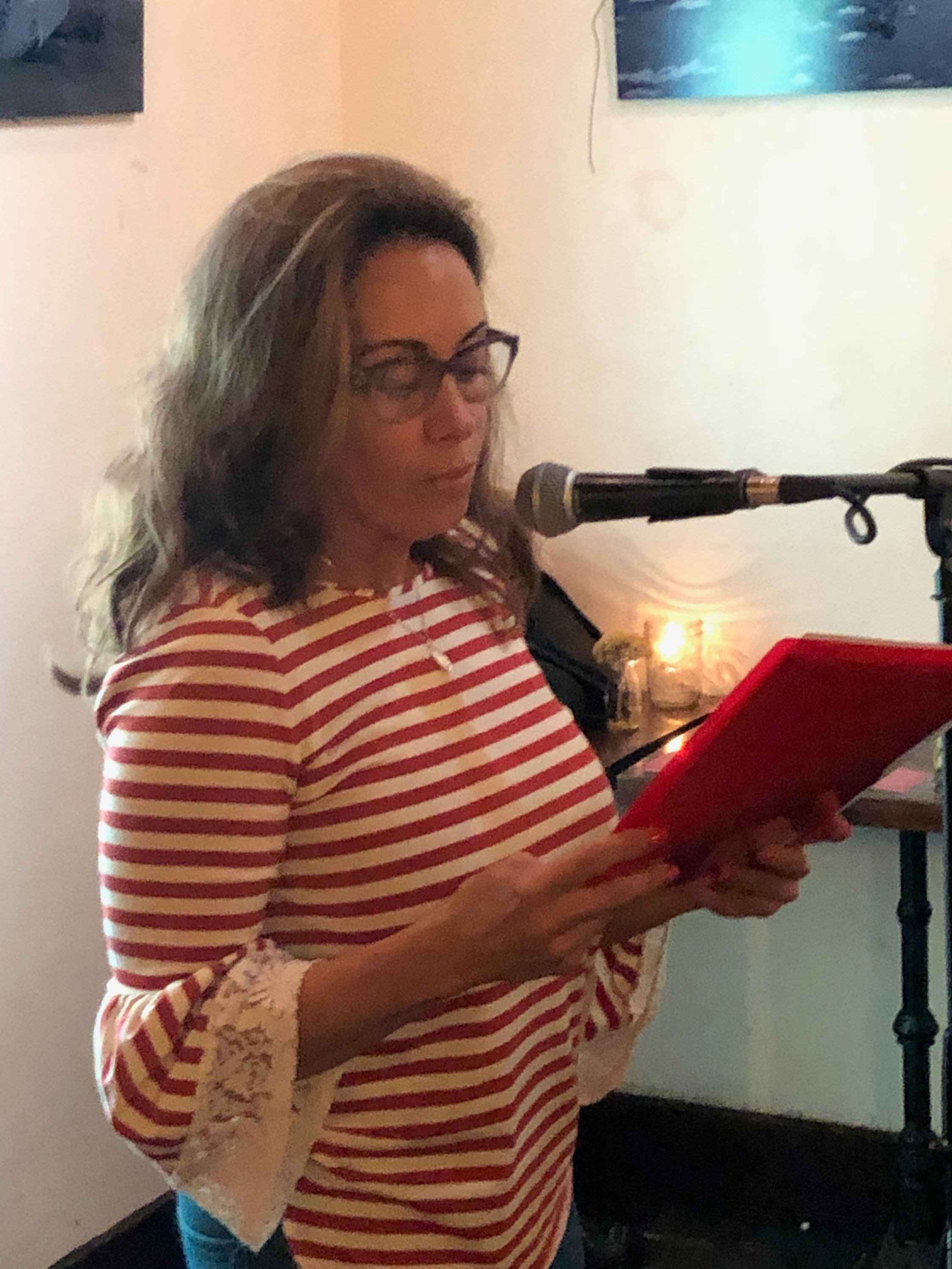 julia scudiero at the first tuesdays open mic - oct 1 2019