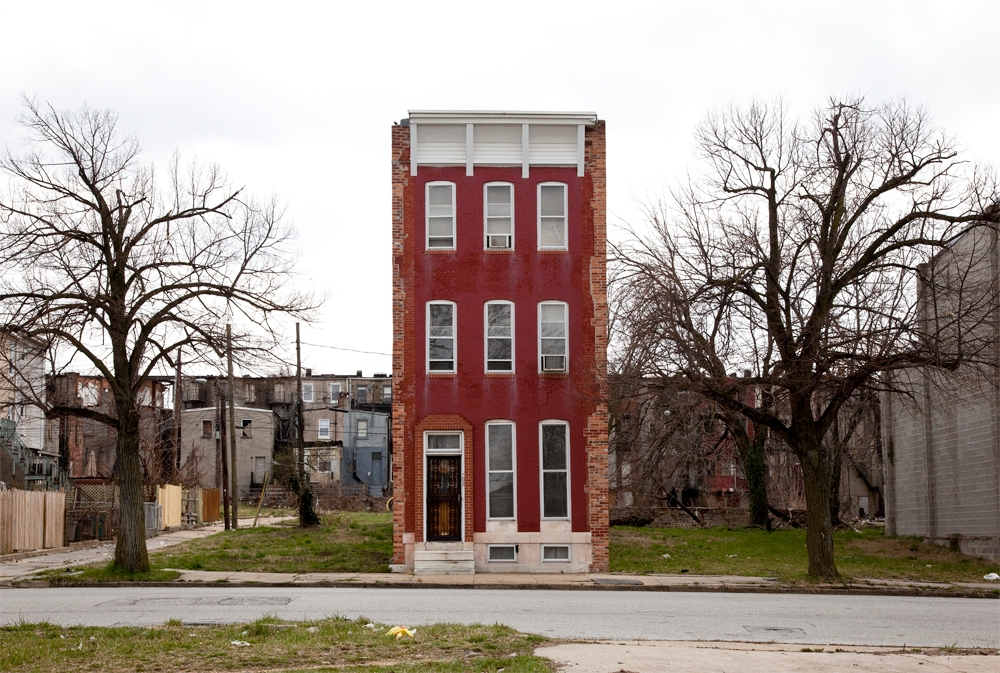 [photo] Solitary Row Houses Defy the Process of Urban Decay | Raw File | Wired.com (2)