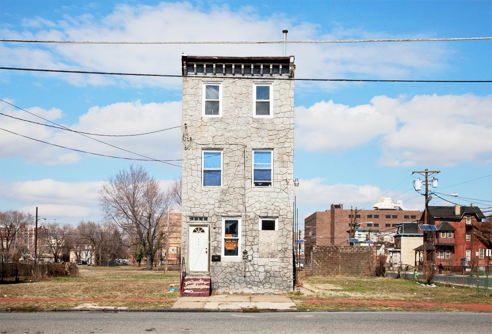 [photo] Solitary Row Houses Defy the Process of Urban Decay | Raw File | Wired.com