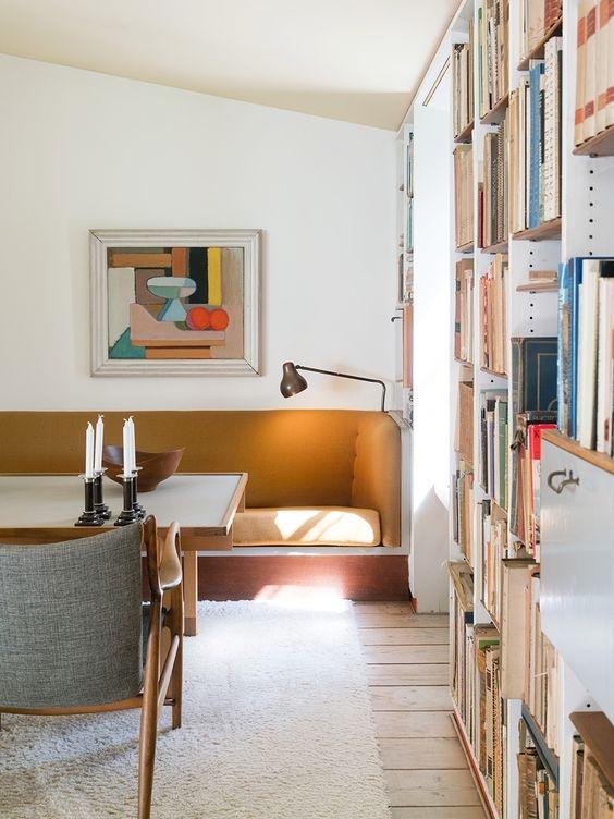 [booth] book shelves