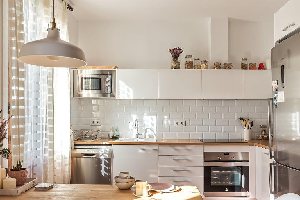 [kitchen] [white] island