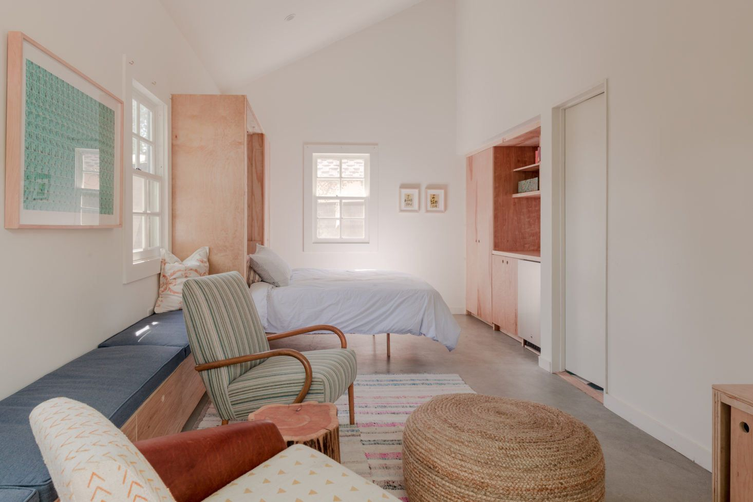 christine-lennon-guest-barn-guest-room-stephen-paul-paul-anderson-1466x977
