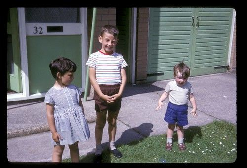 Today old photo show a possessed child while his cousins look on.