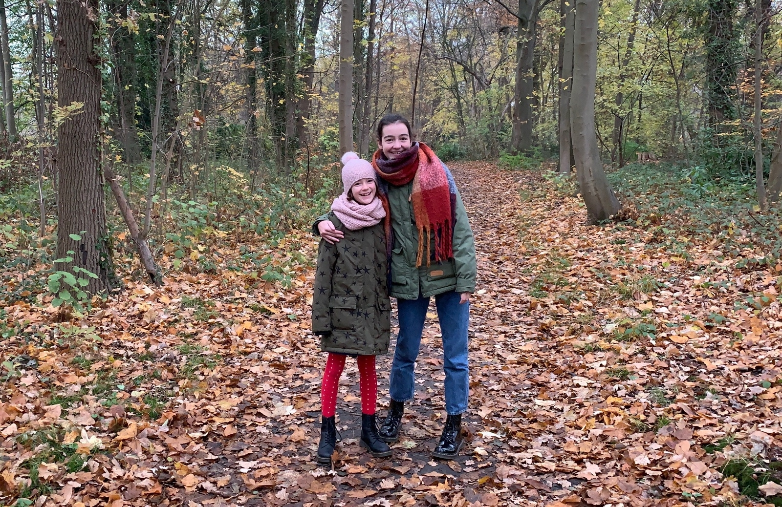 Mila en Nienke, padje naar Hof ter Linden