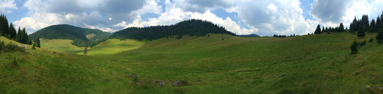Panoramic shot of the Padiș plateau. iPhone 6 Plus: 1/2639 @ ƒ/2.2, ISO 32