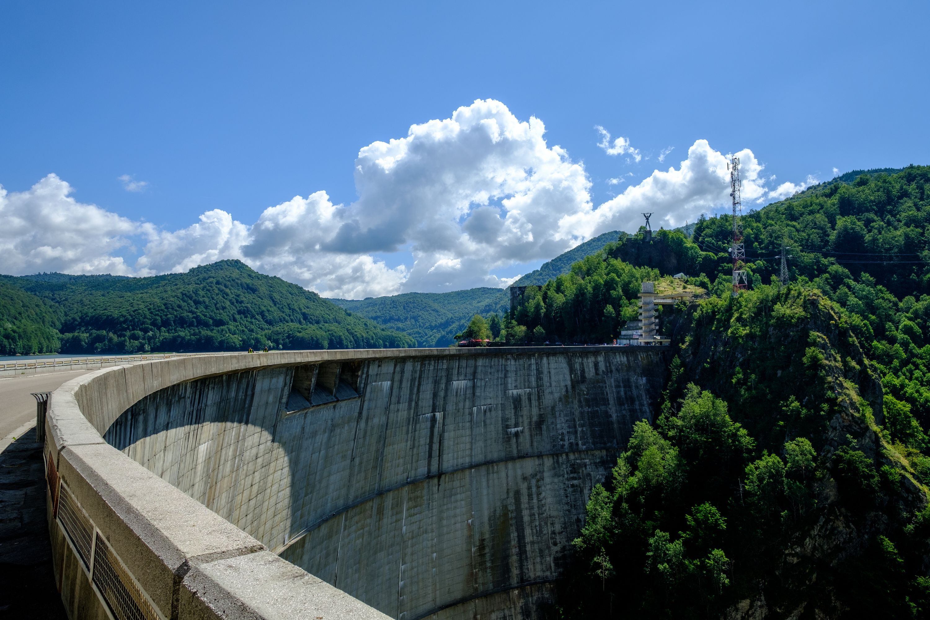 More than 500ft tall, the Vidraru dam is one of the largest in Europe. Fujifilm X-Pro 2 + 14mm: 1/300 @ ƒ/7.1 ISO 400