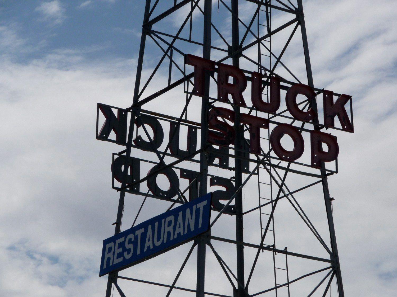 Truck_Stop_sign,_Van_Horn,_Texas