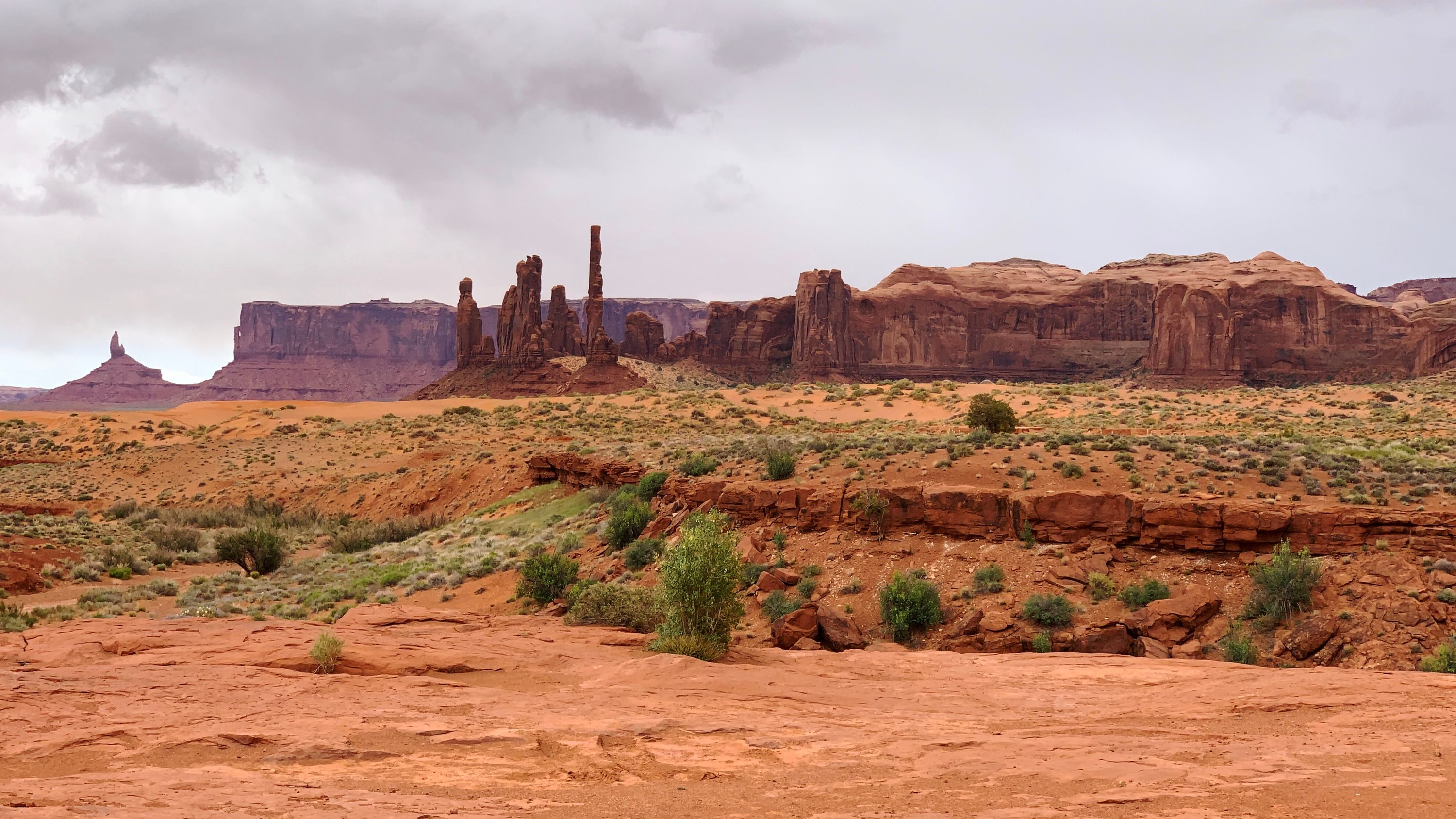 A view near The Thumb, Monument Valley