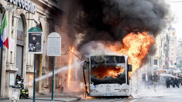Bus on fire in Rome