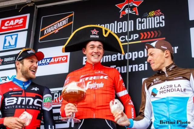 Winner of l'Eurométropole with a giant glass of beer