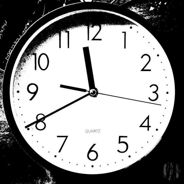 Photo Of Clock at 10.40pm after a black and white newspaper like effect has been applied
