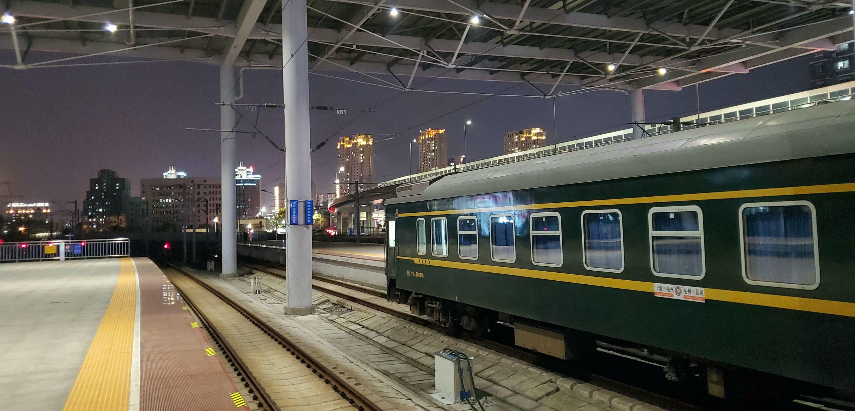 going home - ningbo railway station