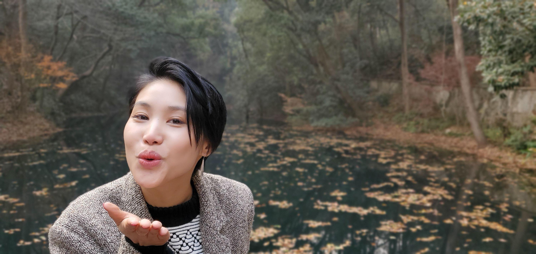 jiayu - taking a stroll at zhejiang university
