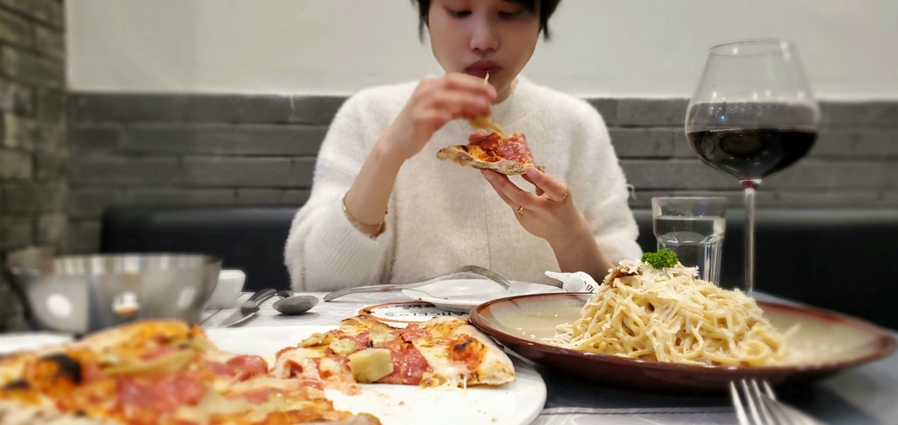 great pizza at angelo's in binjiang with jade