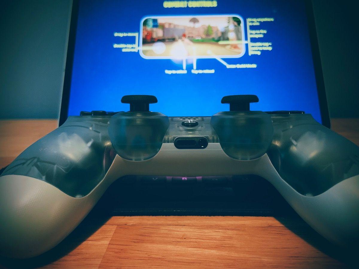 Testing game controller on iPad OS
