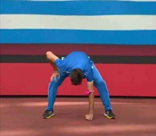Miltiadis Tentoglou's gear second pose