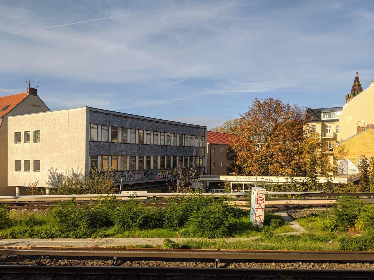 Das St.Oberholz vom S-Bahnhof Babelsberg aus gesehen