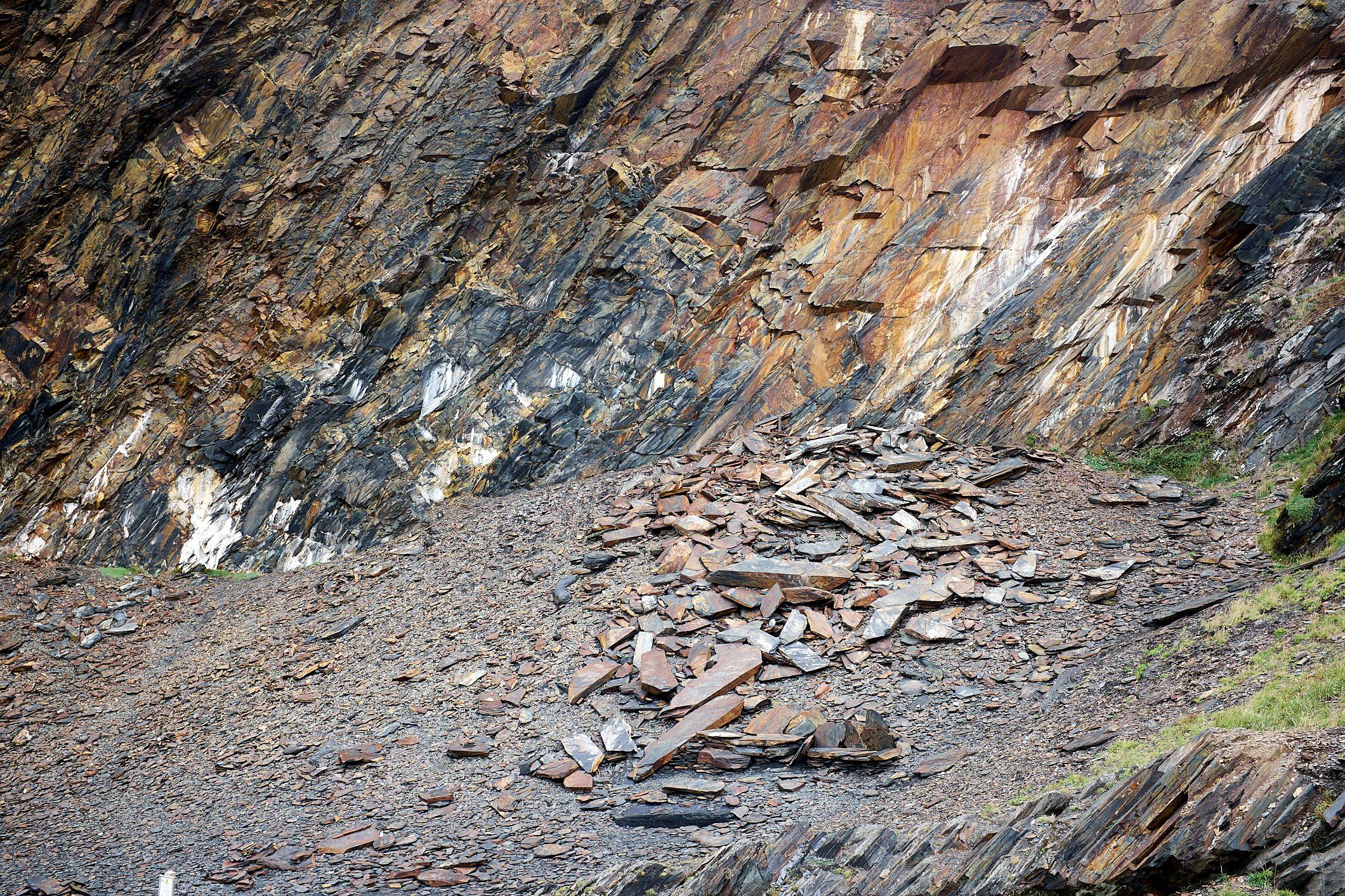 fallen rock on quarry sides