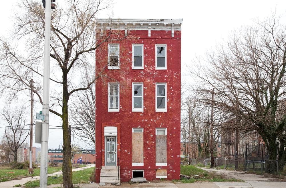 [photo] Solitary Row Houses Defy the Process of Urban Decay | Raw File | Wired.com (1)