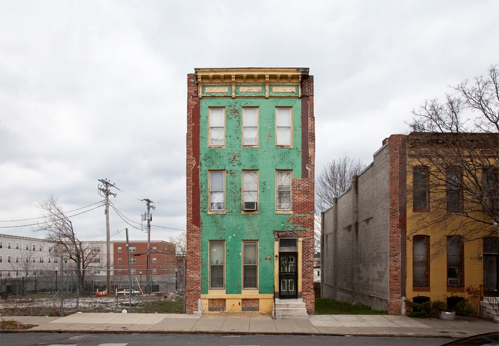 [photo] Solitary Row Houses Defy the Process of Urban Decay | Raw File | Wired.com (3)