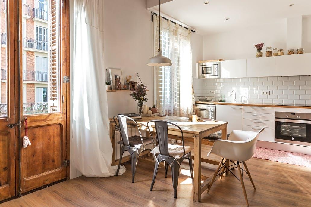 [kitchen] [white] cabinets
