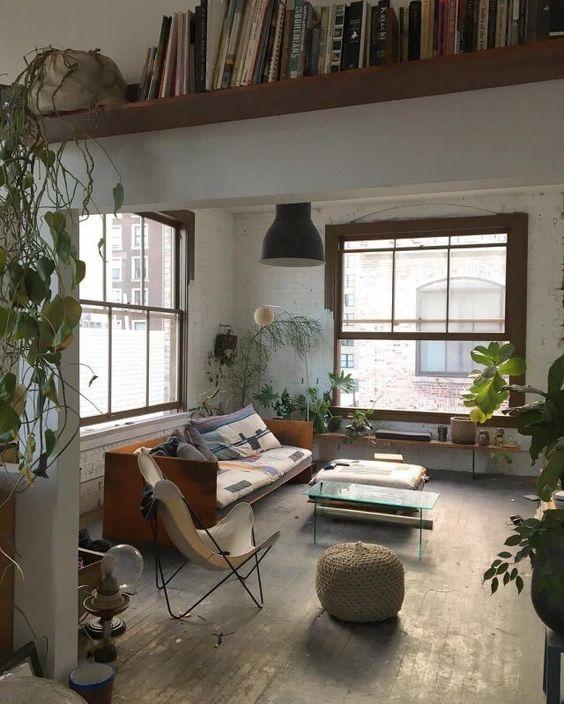 [living room] [shelves]