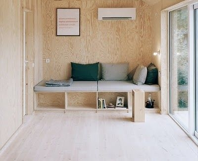 [wood] spare [bench]