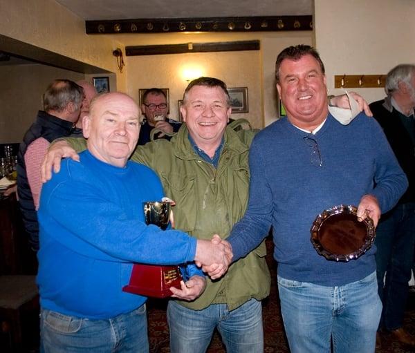 Show co-ordinator Gary Heslington of Wingate with Showrace Class winners