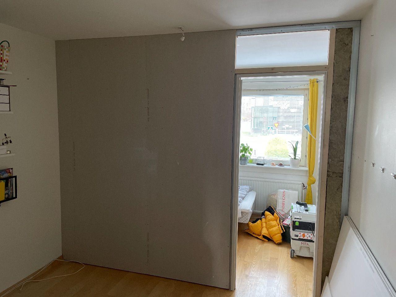 Nya väggen ännu mer in the making.