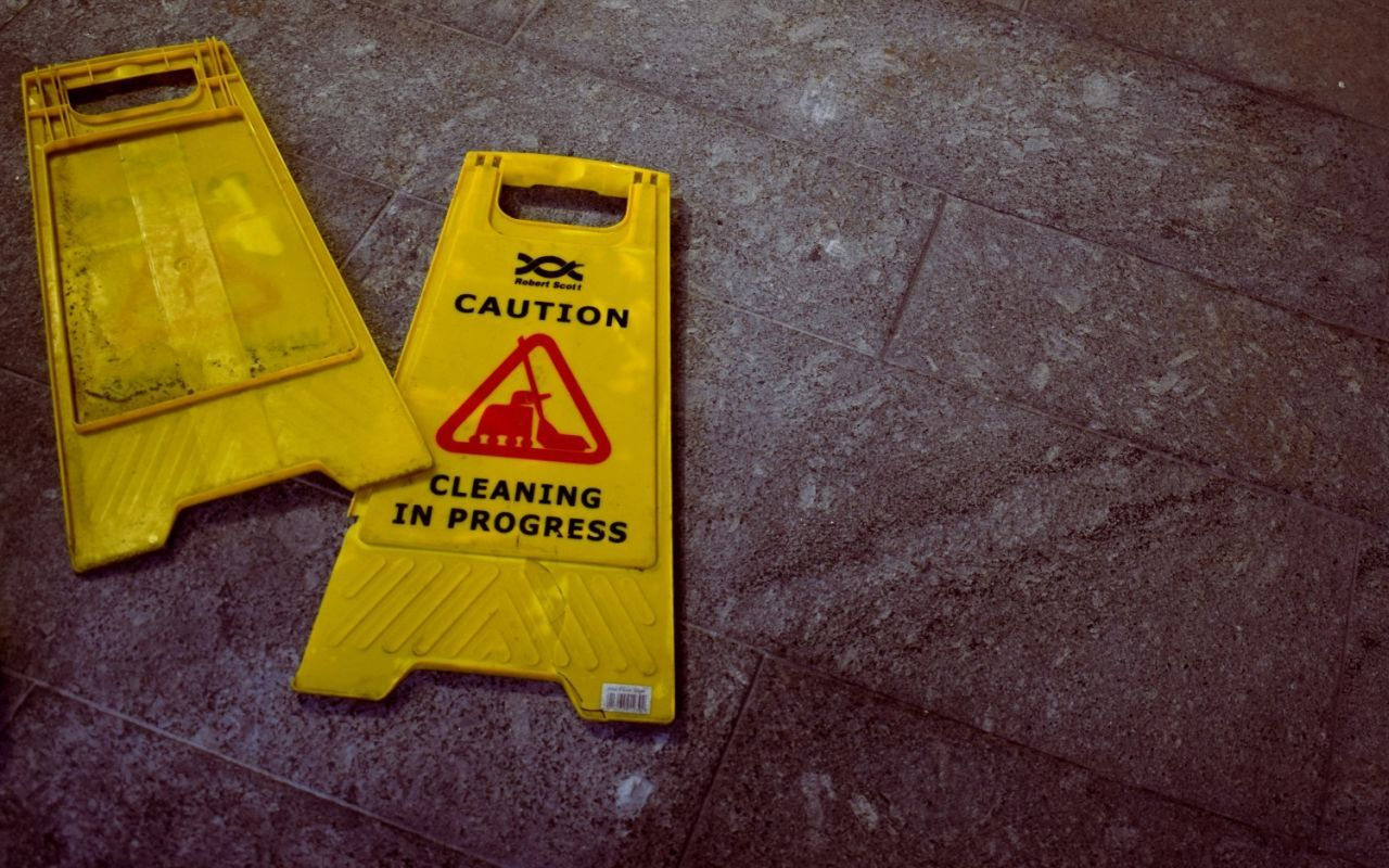 cleaning caution signs yellow